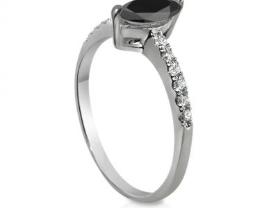 טבעת יהלום שחור מרקיזה
