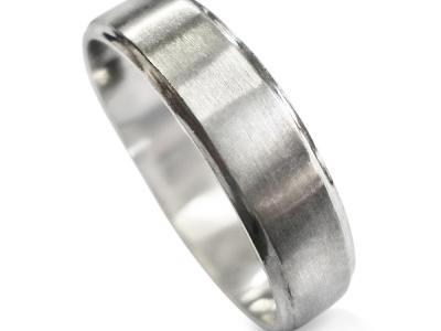 טבעת נישואין חלקה מזהב לבן