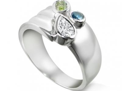 טבעת וינטג' קלאסי עם יהלום טיפה