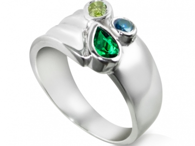 טבעות וינטג' מיוחדת עם אבן חן ירוקה אמרלד