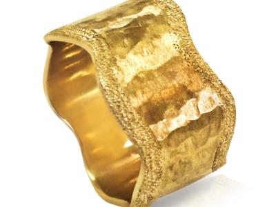 טבעת נישואין מיוחדת