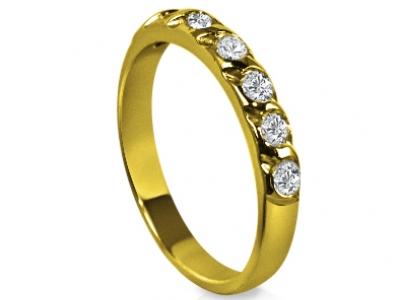 טבעת יהלומים בשיבוץ בלי שיניים