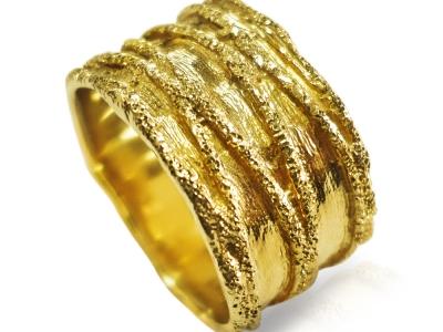 טבעת נישואין כשרה לאישה