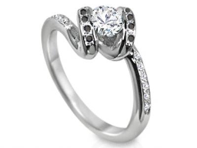 טבעת יהלומים יהלומים לבנים ויהלומים שחורים