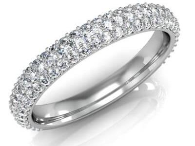 טבעת נישואין משובצת יהלומים