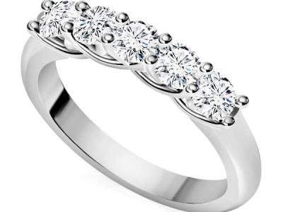 טבעת איניפיניטי משובצת יהלומים