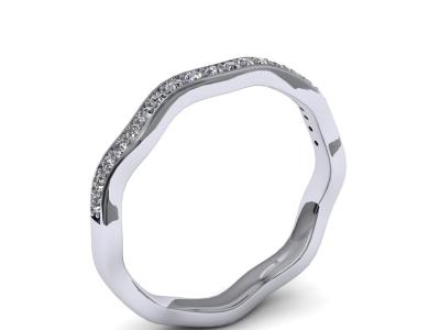 טבעת יהלומים לא סימטרית