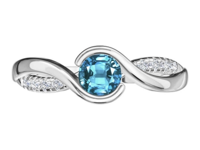 טבעת אבן חן בהירה