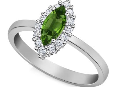 אמרלד ברקת משובץ בטבעת