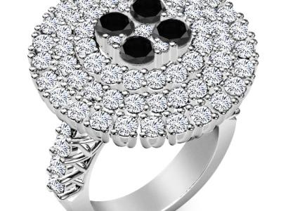 יהלום שחור בטבעת פרח