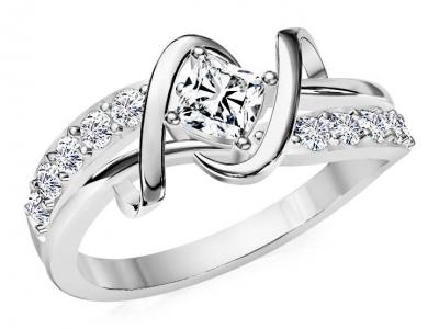 טבעת יהלומים בעיצוב טוויסט לאישה