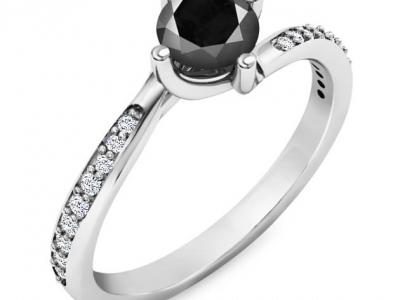 טבעת אירוסין מיוחדת עם יהלום שחור