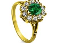 טבעת זהב צהוב אבן אמרלד סביב יהלומים דגם דיאנה