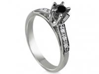 טבעת מעצבים מיוחדת יהלום שחור