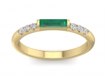 טבעת עדינה עם אבן חן
