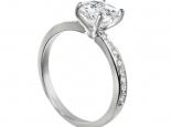 """טבעת אירוסין עם יהלום 30 נקודות  בשיבוץ 16 יהלומים קטנים - """"UNIVERSE"""""""