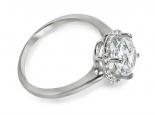 טבעת אירוסין מעוצבת  עם יהלומים קטנים בצד  ויהלום מרכזי  גדול