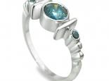 "טבעת אבני אמרלד בעיצוב וינטאג' - ""NEPTUNE"""