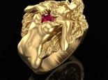 טבעת זהב ואבן חן מעוצבת- אישה עם לב פתוח