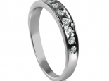 טבעת אירוסין זהב ויהלומים משובצות בתעלה