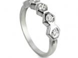 טבעת מעוצבת עם 5 יהלומים אפשרות להצעת נישואין