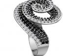 טבעת יהלומים שחורים ולבנים משולבים בספירלה