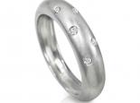טבעת מעצבים בומבי עם 5 יהלומים