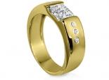 טבעת זהב צהוב עיצוב שטוח עם יהלום מרכזי בצורת פרינסס