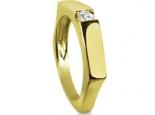 טבעת סוליטר עדינה בעיצוב מודרני