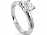 טבעת זהב עם יהלום פרינסס גדול 70