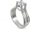טבעת אירוסין בעיצוב מיוחד ליהלום מודגש 1/2 קארט