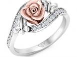 טבעת זהב ויהלומים בעיצוב פרח ופרפרים