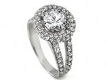 טבעת אירוסין יוקרתית עם יהלומים בצדדדים ומסביב ליהלום המרכזי