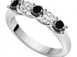 טבעת אינפיניטי חמישה יהלומים בשילוב יהלומים שחורים