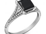 טבעת יהלום מרובע שחור בעיצוב יוקרתי