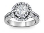טבעת אירוסין 2 שורות של יהלומים סביב ליהלום המרכזי