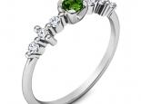 טבעת יהלומים עדינה ומיוחדת אמרלד ברקת