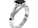 טבעת קלאסית  יהלום שחור מרובע