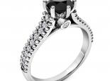 טבעת אירוסין מעוצבת 6 שיניים- יהלום שחור מרכזי