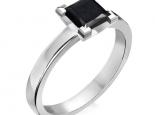 טבעת אירוסין סוליטר- יהלום שחור פרינסס
