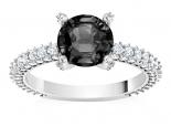 טבעת סוליטר עם יהלום שחור לאישה