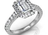 טבעת יהלומים מעוצבת עם יהלום חצי קארט מלבני מרכזי