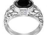 טבעת זהב ויהלומים וינטג יהלום שחור גדול מרכזי