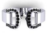 טבעת נישואין מעוצבת ומשובצת יהלומים שחורים