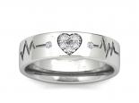 טבעת נישואין עם לב משובץ יהלומים- הדגם הצר